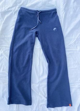Оригинальные широкие спортивные штаны от nike4 фото