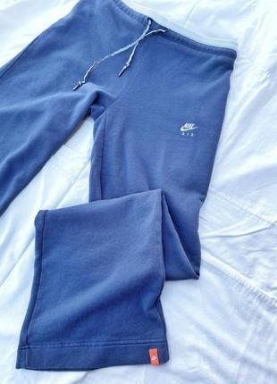 Оригинальные широкие спортивные штаны от nike