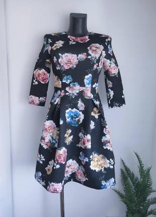 Чорна сукня з квітами від vero moda