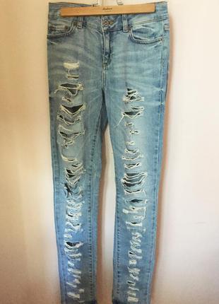 ◈ рваные джинсы с потертостями от topshop