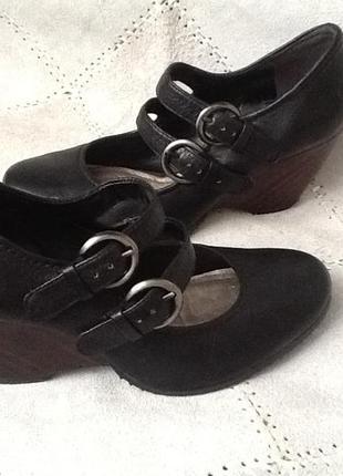 Удобные легкие туфли clarks кожа