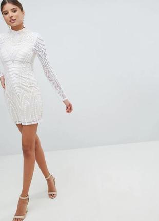 Милое бело-бежевое коктейльное (вечернее, выпускное) платье