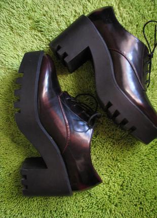 Туфли stradivarius на платформе 37 размер