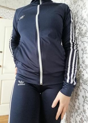 Спортивный костюм на девочку / девушку