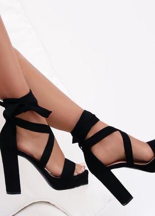 Босоножки на завязках высокий каблук