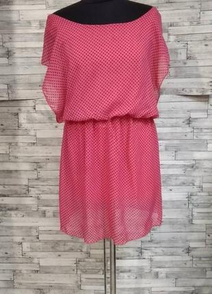 Розовое шифоновое платье в горох