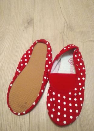Дитячі червоні пінєтки /чешки  для дівчинки inside