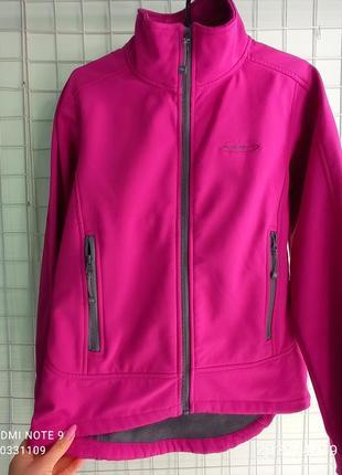 Жіноча якісна куртка softshell