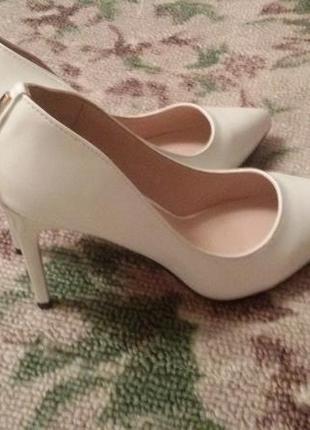 Новые туфли белые, свадебные, торжественные