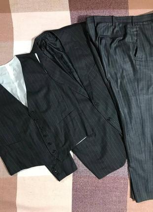 Мужской костюм тройка kiton napoli