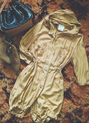 Куртка,плащ,парка женская