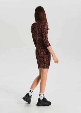 Платье мини анималистический принт3 фото
