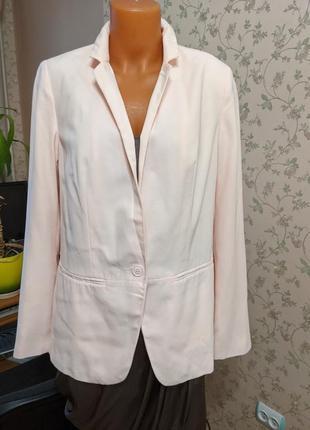 Пиджак нюдовый тоненький