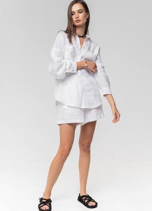 Стильный костюм из льна шорты и рубашка
