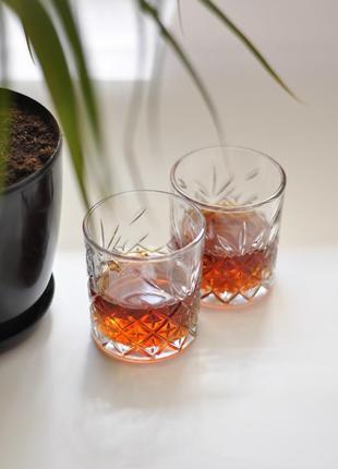 Набір низьких склянок для напоїв набор низких стаканов для напитков бокалы