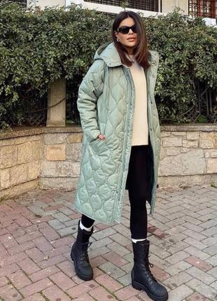 Непромокаемое ветрозащитное стеганое пальто оверсайз zara оригинал