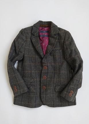 Клевенький пиджачок на модника фирмы некст на 4-5 лет