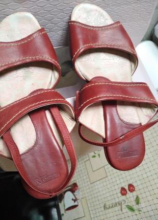 Pikolinos~полностью кожаные босоножки ~испания