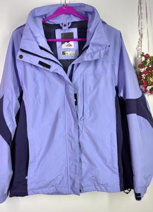 Спортивна куртка на весну розмір 40 (б230)