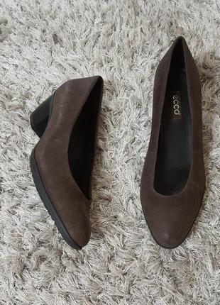 Оригінал. туфлі еcco нат.шкіра р.41.маломірять.
