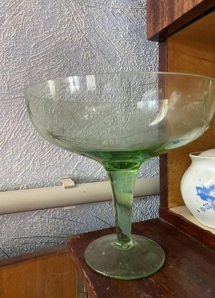 Ваза конфетница на ножке зеленея стеклянная производство ссср