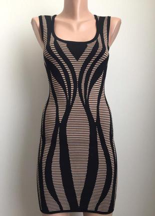 Платье футляр с небольшой утяжкой