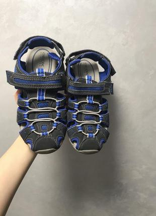 Босоножки сандали