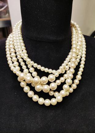 Жемчужное ожерелье stock