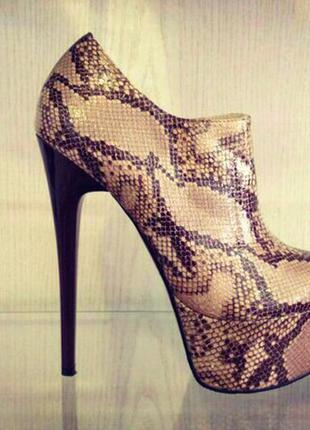 Ботинки/бежевые ботинки/высокий каблук/женские ботиночки/ботильоны