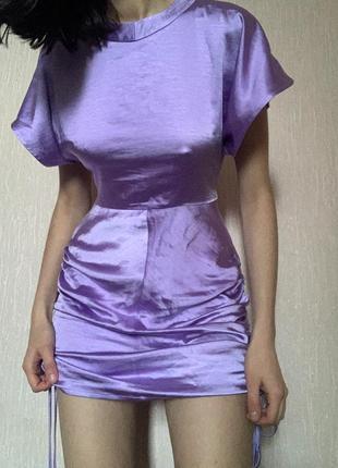 Платье со сборками лиловое nasty gal