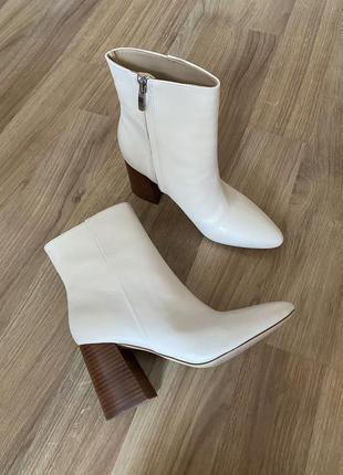 Кожаные ботинки на каблуке ботильоны nine west