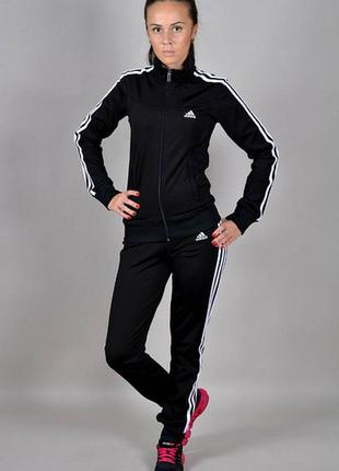 Спортивный костюм adidas originals.