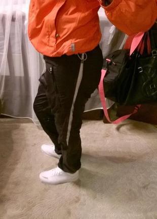 Спортивные штаны на резинке снизу