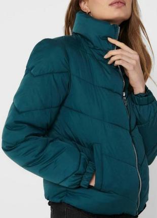Пуховик куртка легкий изумрудного цвета jacqueline de yong