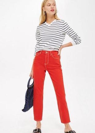 Красные джинсы с контрастной строчкой р 6