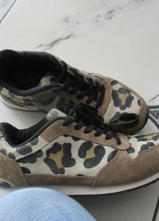 Замшевые кроссовки от h&m
