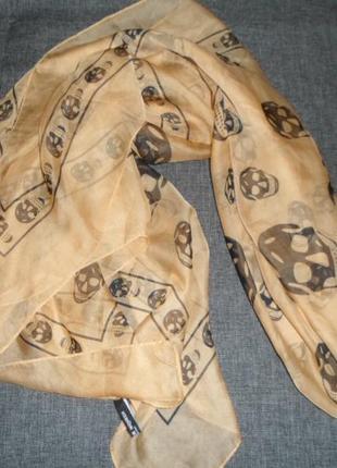 Шифоновый шарф платок  alexander mcqueen черно-бежевый италия