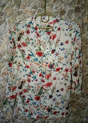 Очень красивая блузка с цветочным принтом