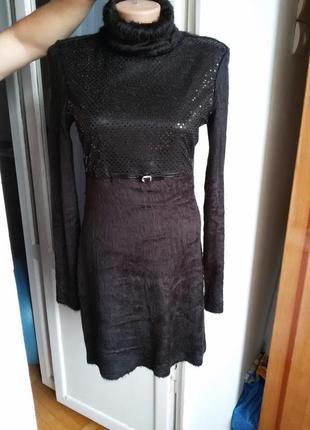 Стильное теплое платье с пайетками