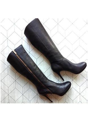 Черные кожаные сапоги на молнии бренд vince camuto демисезон р. 39