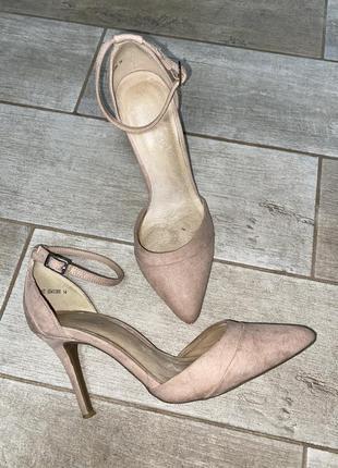 Бежевые туфли,острый носок,лодочки,шпилька,тонкий каблук