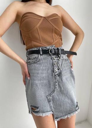 Серая джинсовая юбка