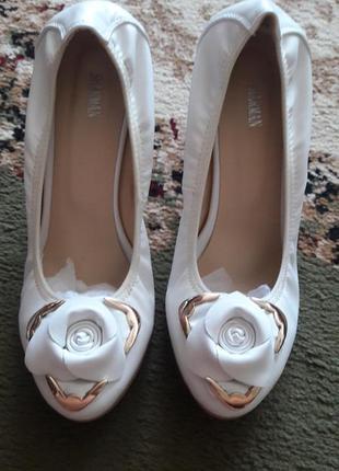 Белые туфли sharman 38р3 фото