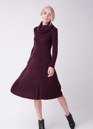 Вязаное платье-клеш