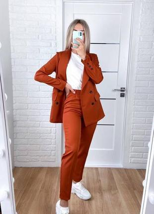 Классический брючный костюм брюки высокая посадка пиджак на пуговицах с карманами
