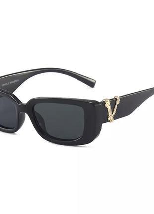 Самые модные солнцезащитные очки 2021 года в стиле versace2 фото