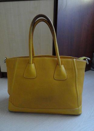 Большая красивая сумка vera pelle