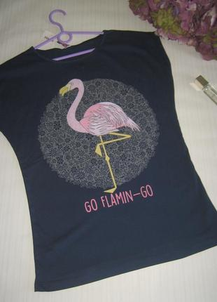 В наличии футболка розовый фламинго. есть модели