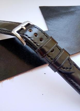 Шкіряний ремінець для годинника.