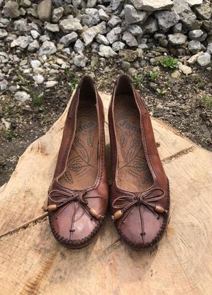 Зручні брендові шкіряні туфлі jana